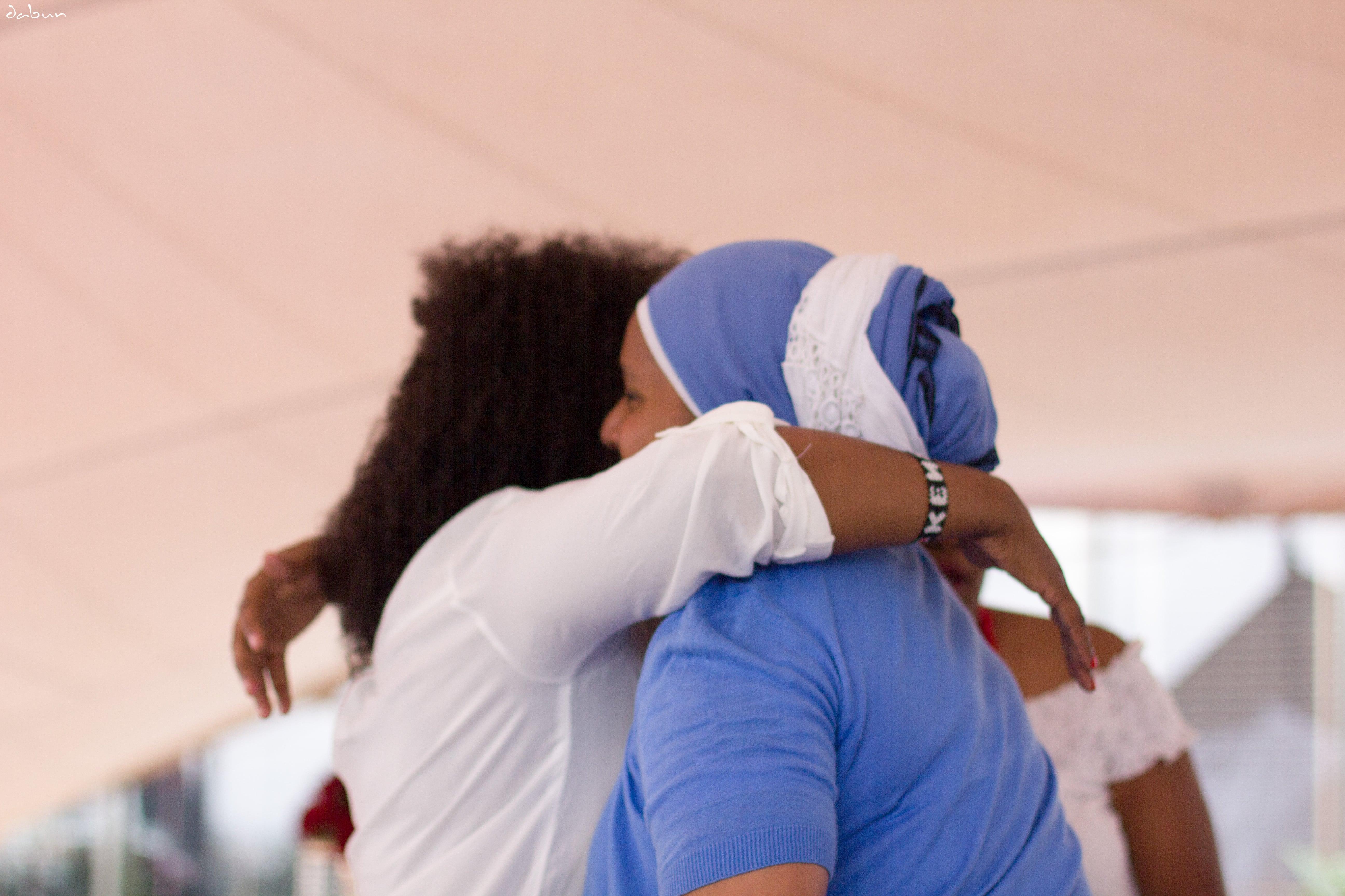 hugs2-min